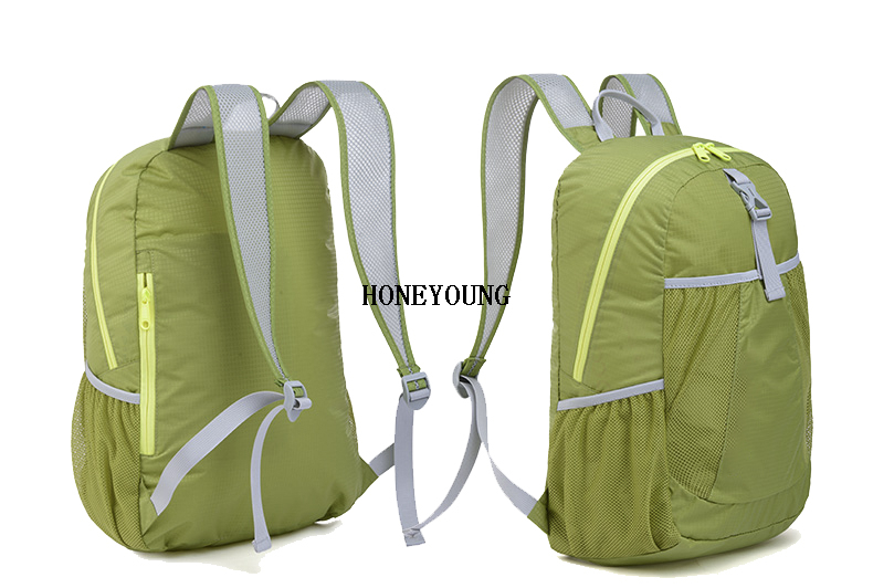 Lightweight Packable Backpack, 25L Small Water Resistant Rucksack Foldable Travel Daysack for Men Women Outdoor Hiking